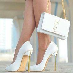 Scarpin branco YSL