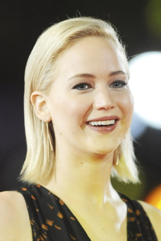 LONDON, ENGLAND - NOVEMBER 05: Jennifer Lawrence attends The Hunger Games: Mockingjay Part 2 - UK Premiere at Odeon Leicester Square on November 5, 2015 in London, England. (Photo by Dave J Hogan/Dave J Hogan/Getty Images)