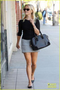 Reese Witherspoon baixinha como usar sapatilha