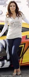 T-Shirt com frases e jeans