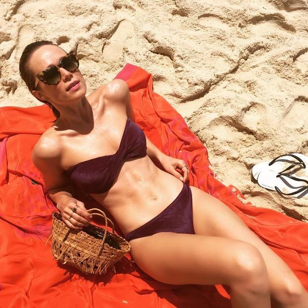mariana_ximenes-na-praiajpg