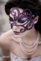 mascara de carnaval roxa