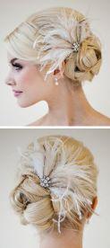 plumas brancas no cabelo
