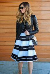 jaqueta de couro com saia listrada