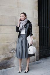 jaqueta de couro perfecto com saia midi