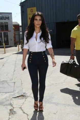 kim-kardashian-calça-cintura-alta