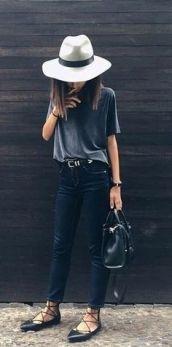 lace up preta com jeans escuro