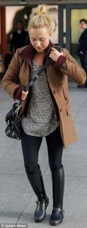 bota montaria calça skinny e casaco