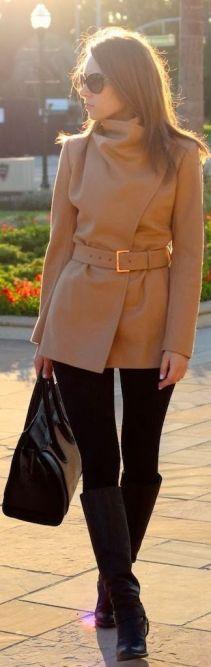 bota montaria com legging e casaco
