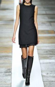 como usar vestido preto com bota cano alto