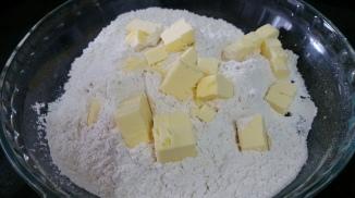 Manteiga, farinha e sal
