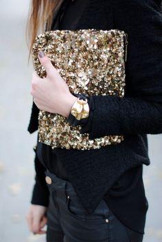 clutch de paetes dourado