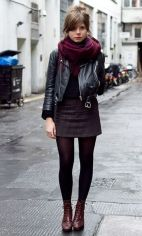 coturno com mini saia e perfecto
