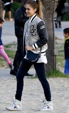 Bomber Jacket Mood Esportivo Cinza - Jessica Alba