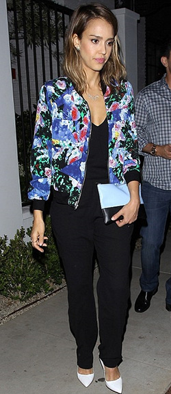 Bomber Jacket Estampada Colorida - Jessica Alba