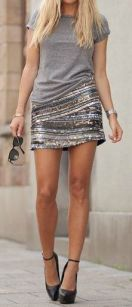 mini saia de paetes prata