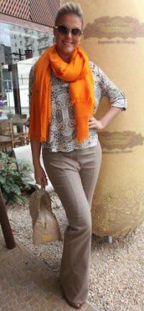 Cor laranja - Echarpe e Tons Neutros