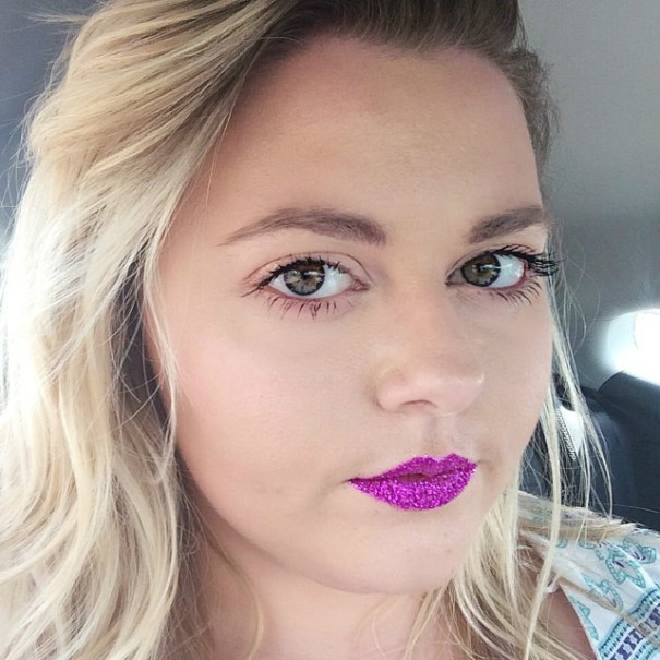 blonde-batom-glitter-pink-rosa-post-tabu-make-lips
