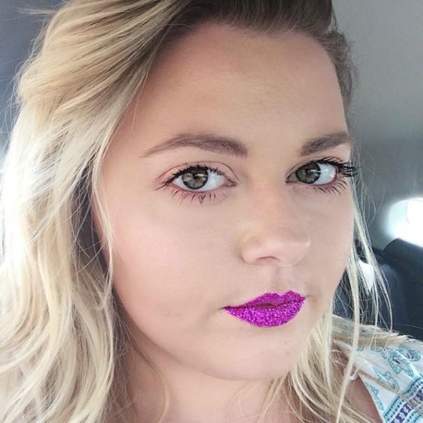 blonde-batom-glitter-pink-rosa-post-tabu-make-lips