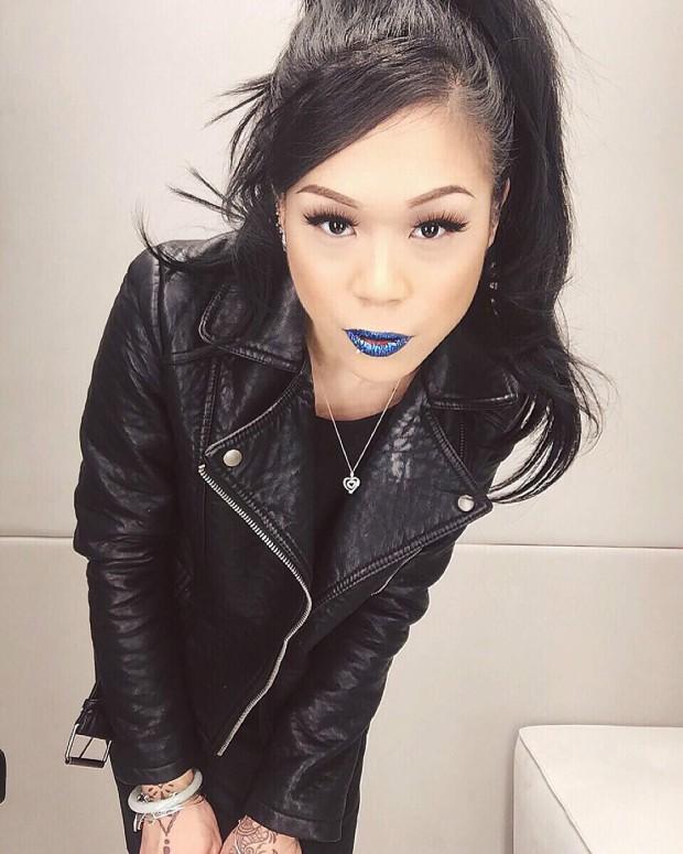 glitter-lips-batom-azul-blue-post-tabu-make-trends