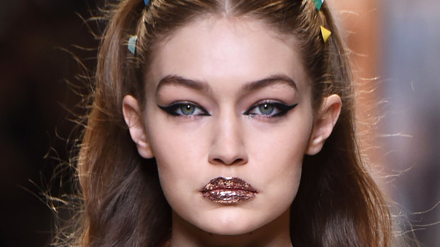 batom-glitter-lips-bronze-trends-brilhos-post-make