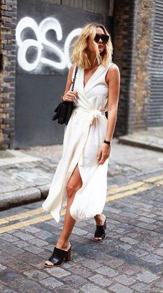 mule-preta-com-vestido-branco