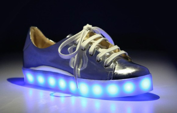 tenis-com-led-schutz-post-tabu-light-on