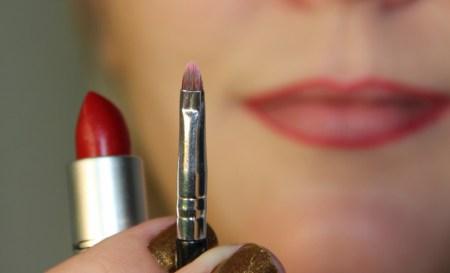 dignidade batom com pincel economizar produtos de beleza