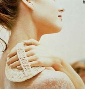 esfoliacao-como-economizar-produtos-beleza-dignidade