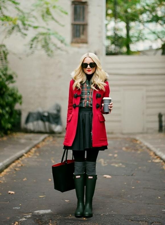 look-casaco-vermelho-saia-bota-com-usar-dicas