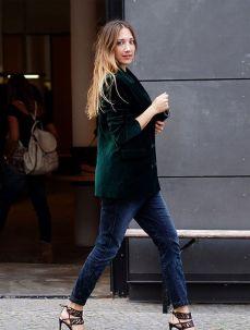 Tendência: Veludo molhado blazer + jeans