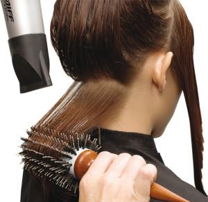 fazer-escova-no-cabelo