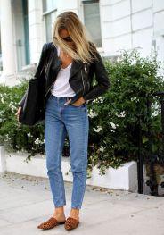 calça jeans cintura alta com jaqueta de couro perfecto