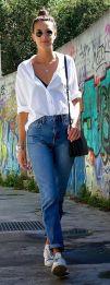 jeans cintura alta com camisa branca
